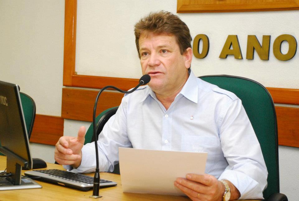 Ver. Ary Moura (PDT)